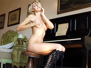 Sex video. Pianino