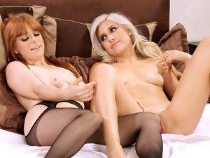 Penny Pax erotically eats out Xandra Sixx