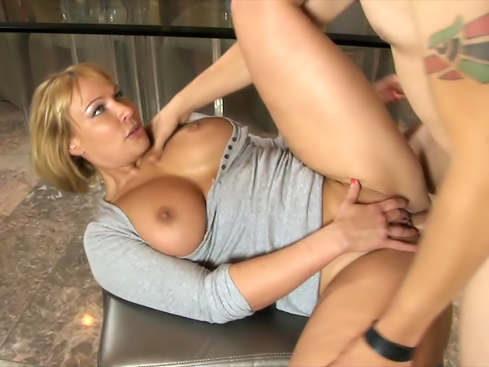 milf chat hustler sex