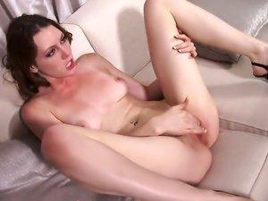 Naked hottie Megan Loxx needs his dick