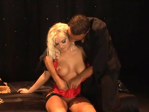 Beautiful blonde milf banged in her hot pussy