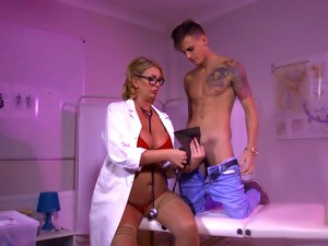 Bimbo doctor Leigh Darby fucks her young patient