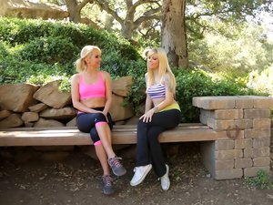 Sporty blonde lesbian babes are pussy lickers