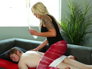 Happy ending blowjob from a beautiful blonde masseuse