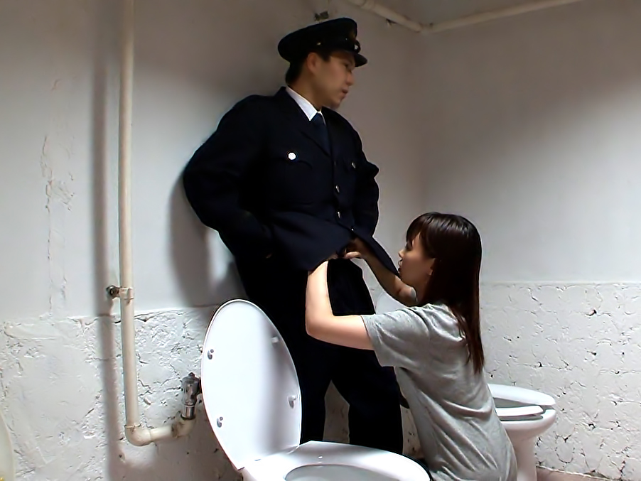 Officer gets his cock sucked by a Japanese cutie