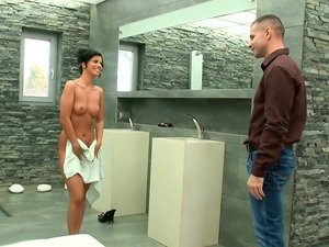 Vicky Love gives oral and takes it doggystyle after a hot shower.