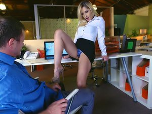 Sleazy secretary Goldie Rush drilled at the office.