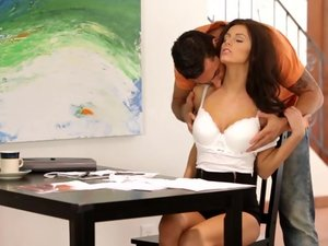 Nubile Films - A Beautiful Distraction