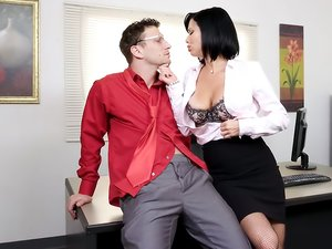 Exquisite MILF Veronica Avluv Gets FISTED and Fucked!