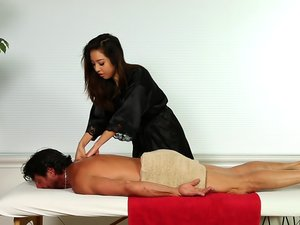 Strip Mall Asian Massage 03