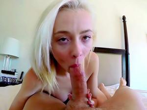 Petite Blondie