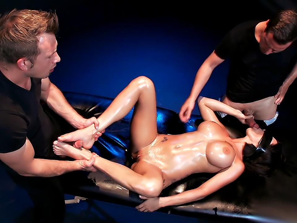 Peta Jensen The Blindfold Massage